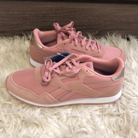 NWT Reebok Pink Classic Suede Athletic Shoe size 8 989bfcbd3